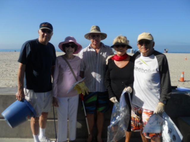 From Left to Right: Ron and Mercy Mandelbaum, Don Fink, Diana and Jerry Greenspan Not Pictured but also participating: Carrie Downey, Carol Grimaud, Bill and Jean Seager, and Tom Bernitt